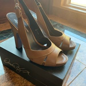Donald j pliner heels . 91/2 . New in box
